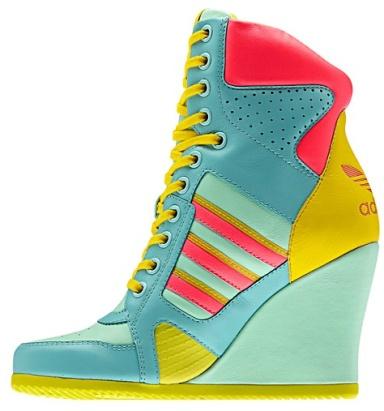 Addidas sneaker wedge...wild!