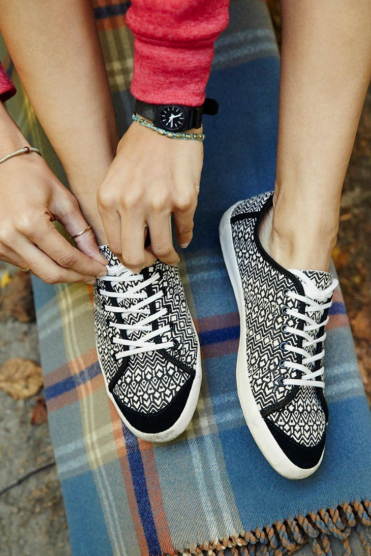 Vans Happy Dazy Black Womens Shoe - Urban Outfitters   In love.