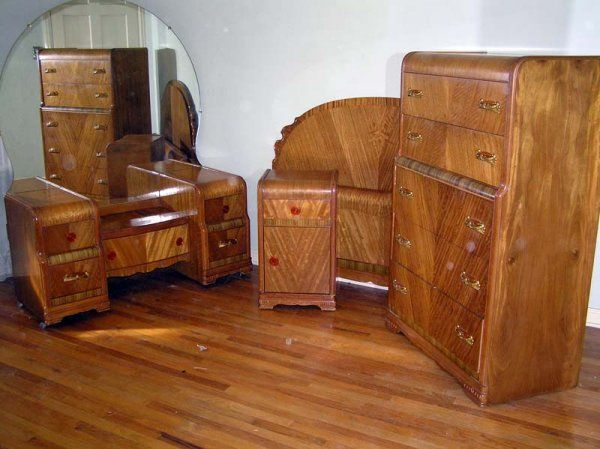 Waterfall style furniture waterfall bedroom set 1930 40 for Chambre a coucher 1940