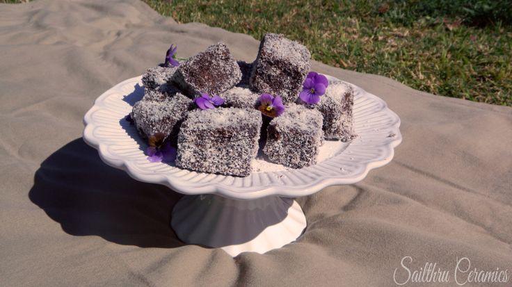 Sailthru Ceramics Cake stand