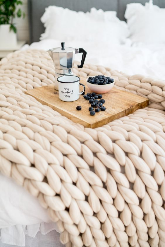 Chunky Knit Blankets Warm Up Your Week Friend Is Better