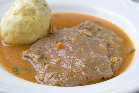 Die köstlichen Saftplätzli sind eine herzhafte Hauptspeise aus Rindfleisch. Hier ein super Rezept für ein gelungenes Gericht.