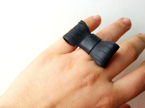 Bow upcycled inner tube ring