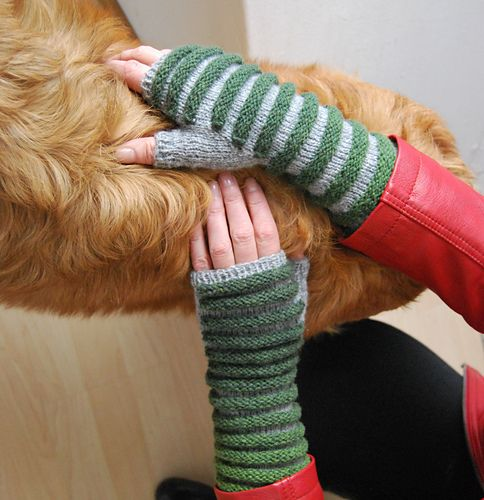 Ridged mittens #knitting #pattern #mittens #texture