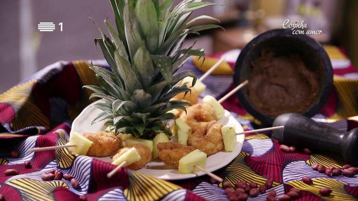 Espetos de Camarão com Coco e Abacaxi