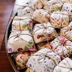 O Bem Casado é formado por duas camadas de pão de ló, um recheio cremoso e leva…