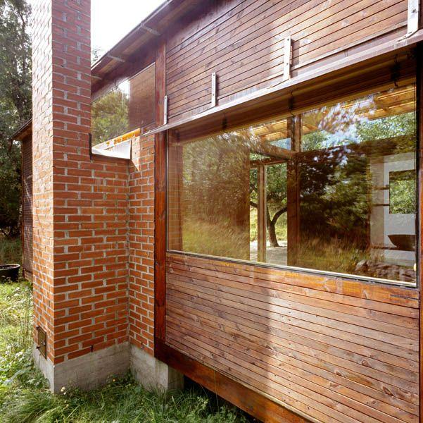 http://hicarquitectura.com/2013/06/carl-viggo-holmebakk-summerhouse-annex-finnoya-lindesnes/