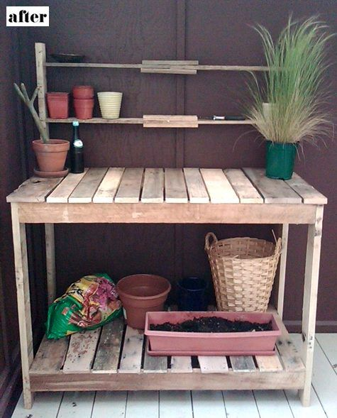 Cute garden stand made out of palletsPots Tables, Pallets Gardens, Potting Benches, Wooden Pallets, Pallets Tables, Pots Stations, Wood Pallets, Pots Benches, Pallets Projects