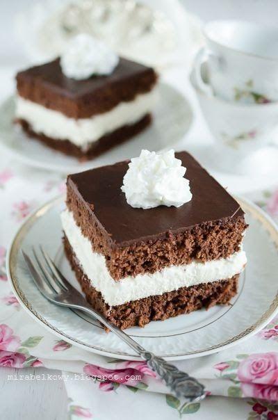 Wuzetka – jedno z najbardziej kultowych polskich ciast, mające swoje korzenie jeszcze w poprzednim ustroju. Jego nazwa powstała na przełomie...