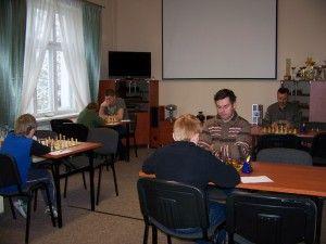 Juniorzy kontra seniorzy w I rundzie Ligi Okręgowej, Świdnica, 27.10.2012
