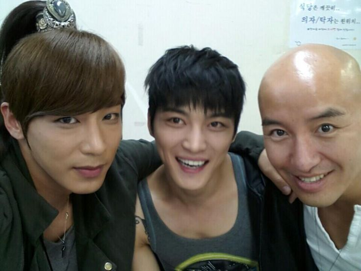 "140507 Tony Hong shares a photo with Jaejoong and Jin Yi Han - ""'Empress Ki""s Jin Yi Han's visit during 'Triangle' filming. We are the joined Three Musketeers"""