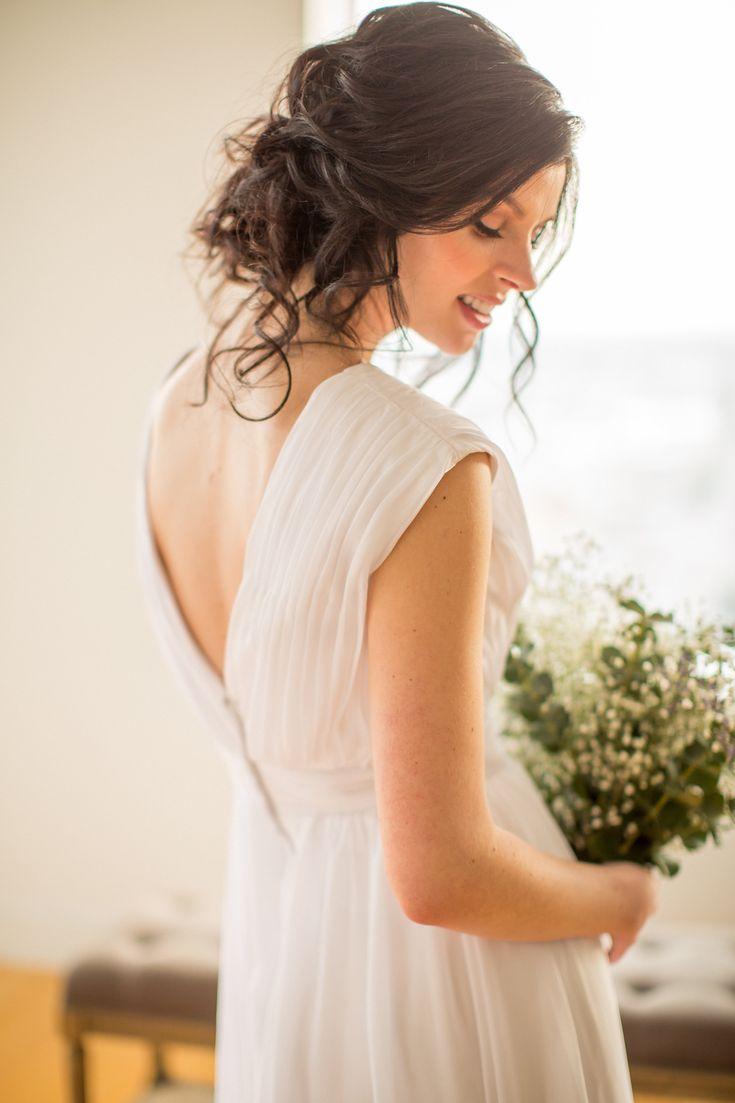 Best 25+ Loose updo ideas on Pinterest   Bridesmaid hair ...