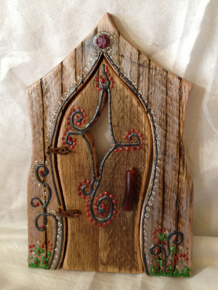 Fairy door hand painted decorated diy fairy gardens for Mini fairy door