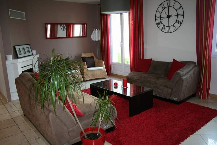 Deco rouge : Association couleur (blanc, noir, argent) et pièces (chambre,