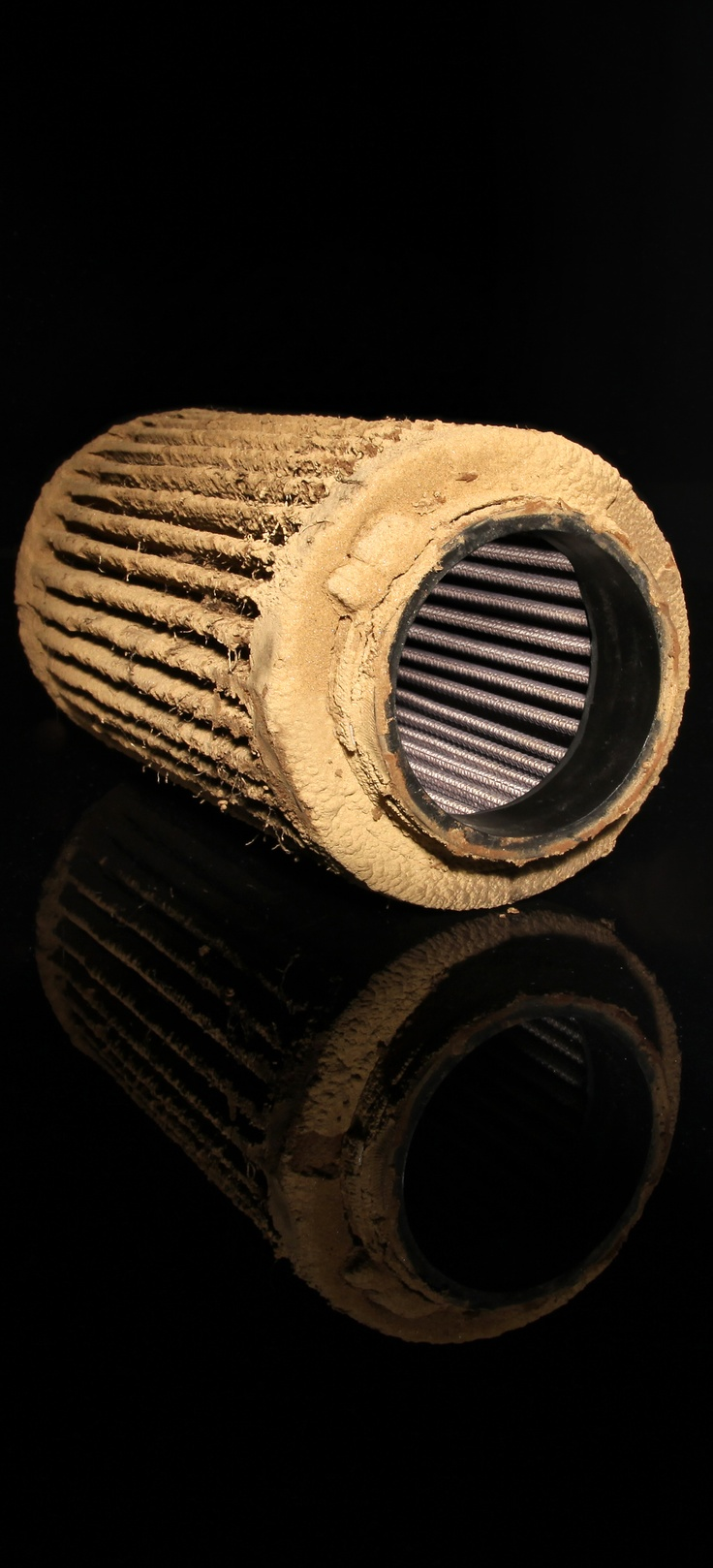 Pretty cool photo to illustrate how well K&N air filters work! Dirty outside, clean inside. #knfilters