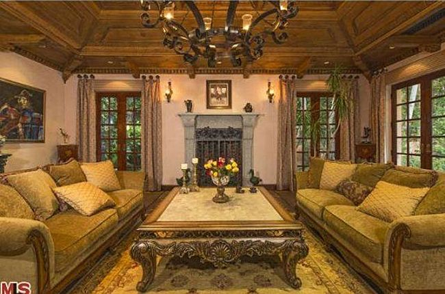 Modern Family, Sofia Vergara's Beverly Hills Home | The living room has a paneled tray ceiling