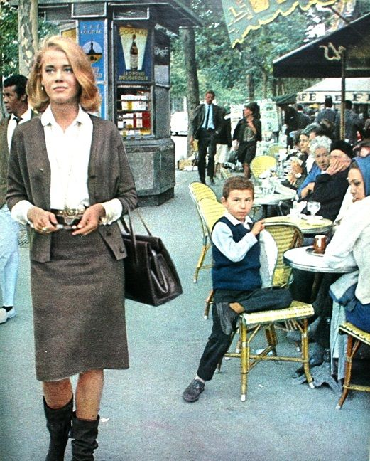 Paris Match September 1963  Jane Fonda walkingthrough Saint-Germain-des-Prés  Photo Willy Rizzo