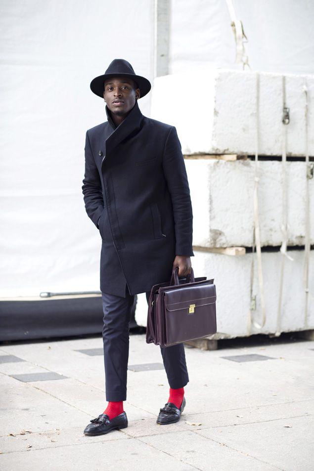 Fall men's fashion All black red socks