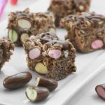 Chocolate CLINKERS Crackle Slice » Recipes » Cadbury Kitchen