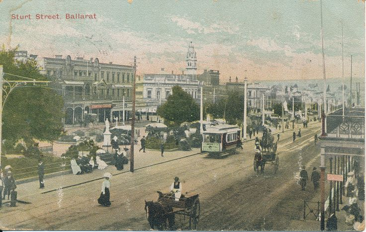 #PostcardThursdays This postcard shows a very grand looking Sturt Street in 1907. #postcardthursdays #besemerescollection #ballarathistory #goldmuseum