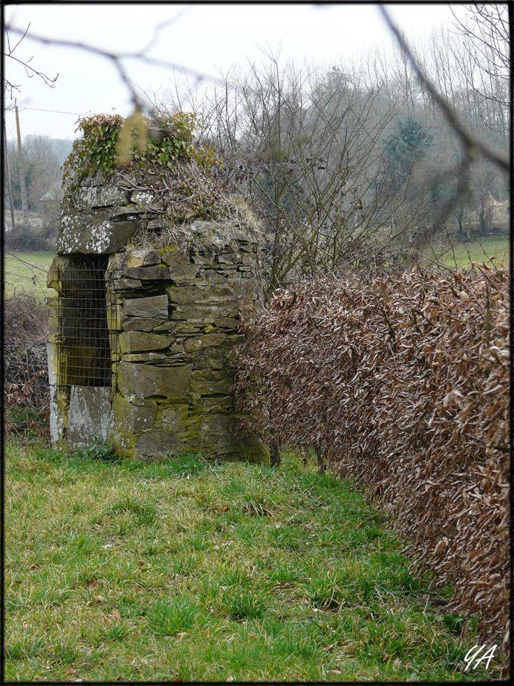 Villers-Bocage: Par les chemins.