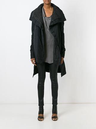 Wattierter Mantel mit weitem Kragen