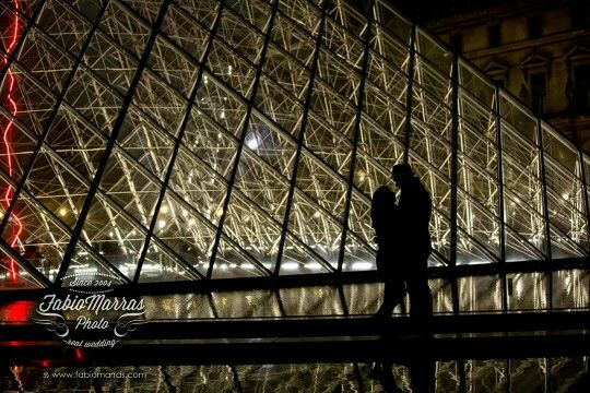 Louvre in the night, pre wedding photo. Book your photosession worldwide on www.fabiomarras.com
