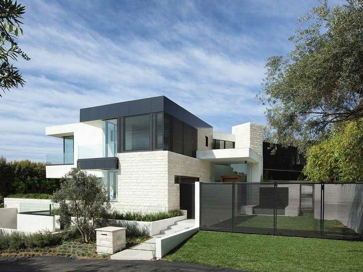 Ultra Modern Day Property On Sunset Strip - http://www.interiordesignwiki.com/architecture/ultra-modern-day-property-on-sunset-strip/
