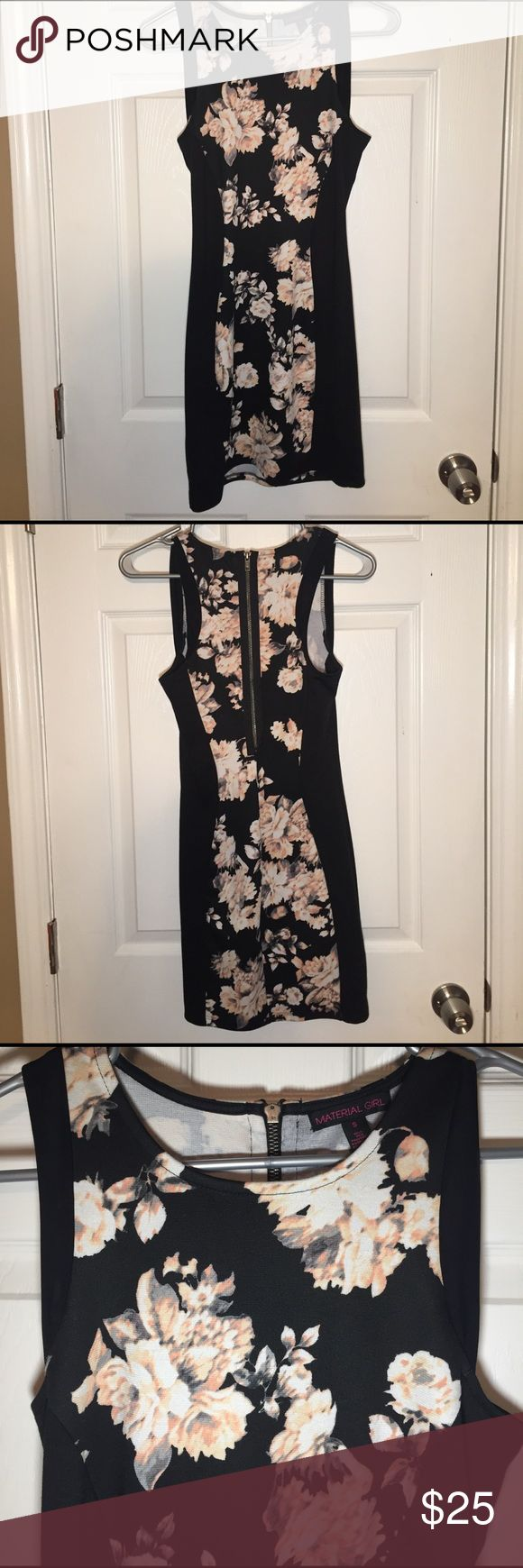 Floral Bodycon dress- Small Floral Bodycon Dress- Small- Never Worn! Material Girl Dresses