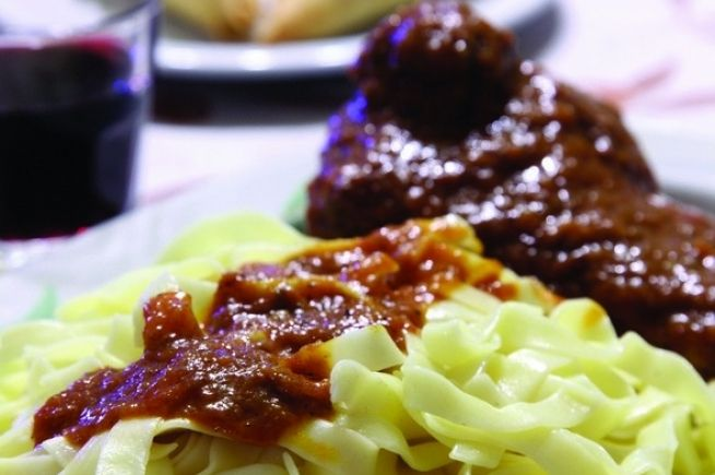 Traditional Greek Dish, meat with homemade pasta. Peri Orexeos tavern #Kalavryta #Peloponessos #Greece #Achaia Περί Ορέξεως | WeGreek