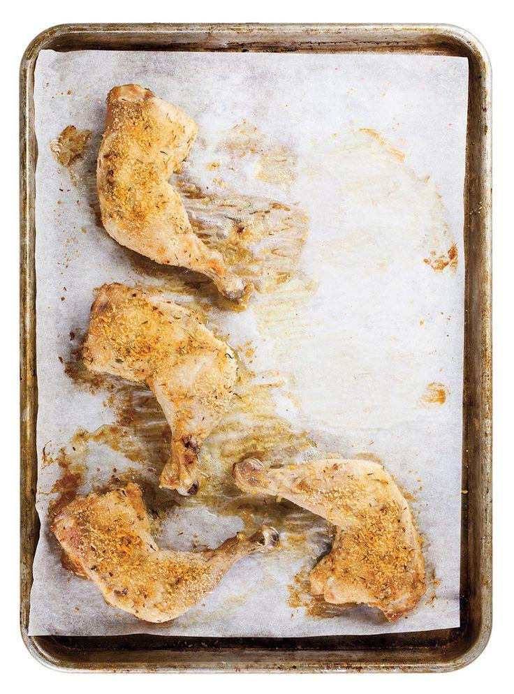 Chips de chou kale et cuisses de poulet rôties au parmesan
