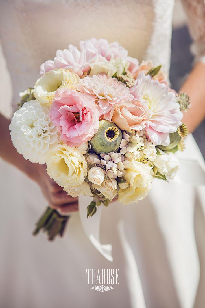 Elegáns erdei-mezei esküvő menyasszonyi csokra