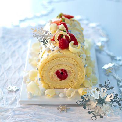 Bûche chocolat blanc-fruits rouges
