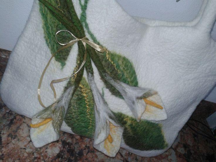 originál kabelka s kalami vytvořená technikou mokrého plstění z jemné merino vlny