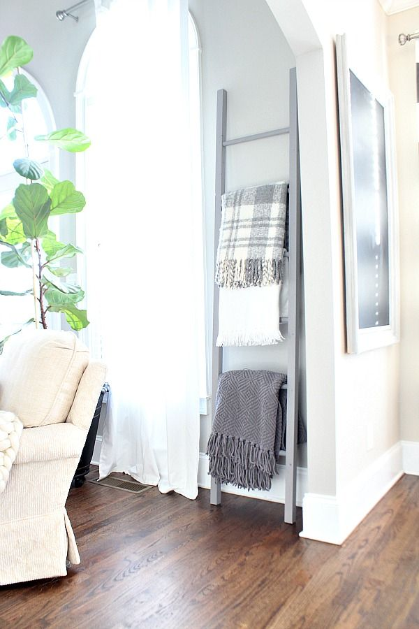 DIY Blanket Ladder - full tutorial to do it yourself - easy to make and you will love having a place for extra throws.