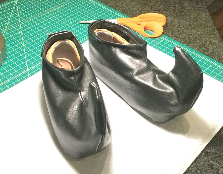 """Flavors Of My Rainbow: How to Make """"Buddy The Elf"""" Shoes For Halloween"""