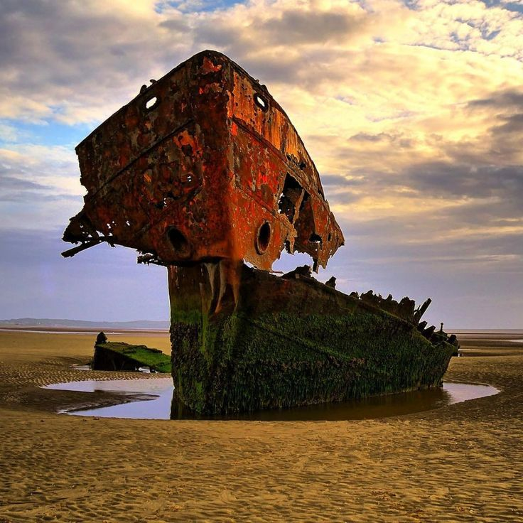 An abandoned ship in County Louth, Ireland - 22 truly stunning shots of abandoned places