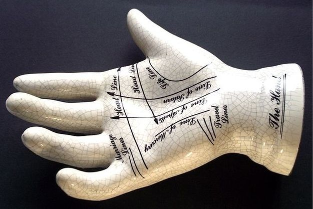Les modifications des lignes de la main supposées changer le destin. | Les 13 opérations de chirurgie esthétiques les plus folles