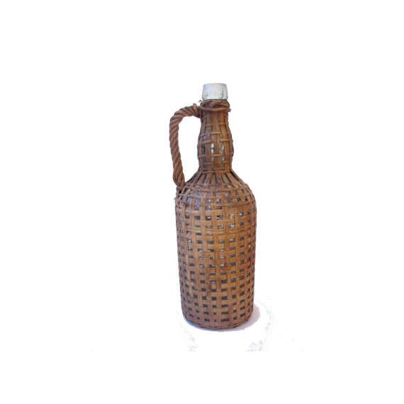 French vintage wicker covered bottle with handle, bouteille ancienne en osier tressé, bouteille tressée rotin