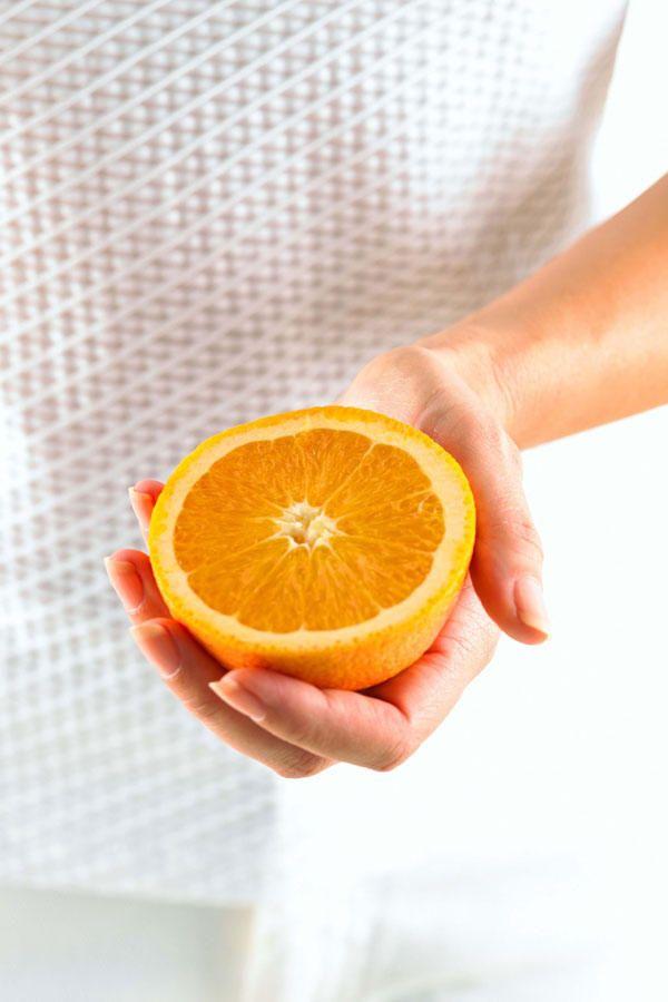 Dem ist nicht so! Forscher der Australian National University haben zwar herausgefunden, dass Vitamin C die Erkältungsdauer um acht