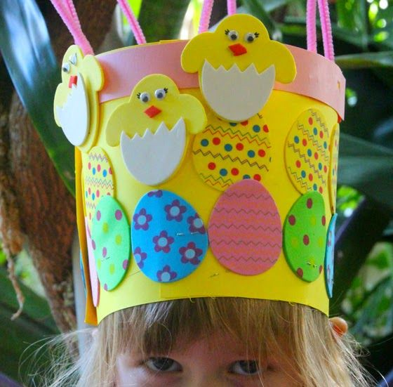 Cute Easter crown for Easter hat parade. At Home with Ali http://www.athomewithali.net/2014/04/2-easter-hat-ideas.html