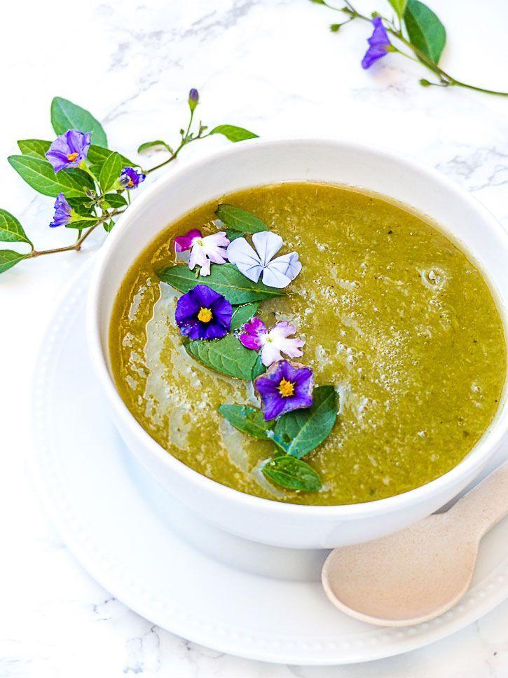 Soupe poireaux courgettes au poivre du Sichuan #detox #veganfood #veggie #souprecipes