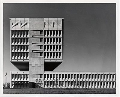 Armstrong Rubber Co. Headquarters, West Haven, Conn. Marcel Breuer, 1970