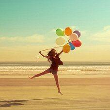 Být šťastný je bezesporu jedním z hlavních cílů každého člověka. Je to stav mysli, který je vyvolán naplněním některé potřeby
