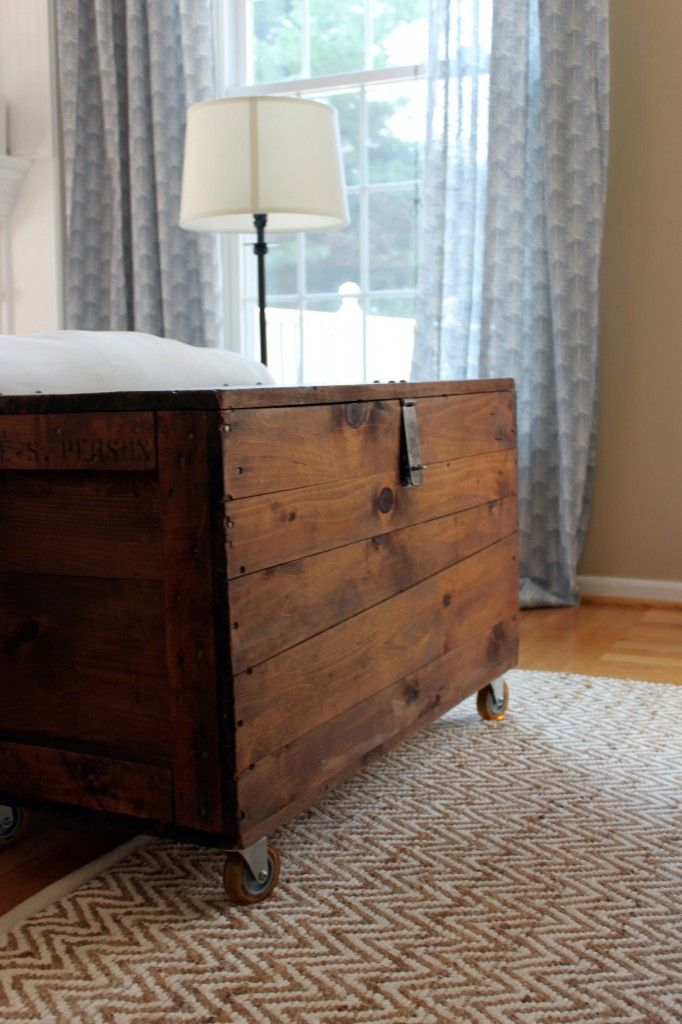 Turn an old wooden crate into a beautiful coffee table.  Stain it and add rolling casters so it's easy to move around!  Love this idea so much - looks super easy too.