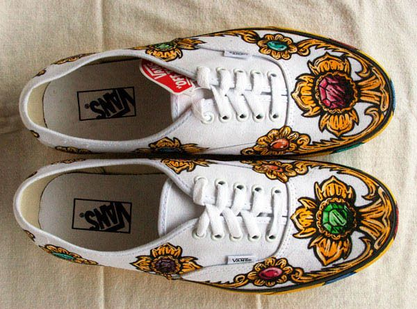 Pope Steppin' custom Vans shoes | How to make your own Creative Vans