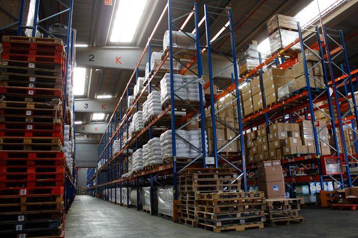 Un operador logístico en España como Algevasa, te garantiza la llegada en buen estado de su mercancía a su destino.