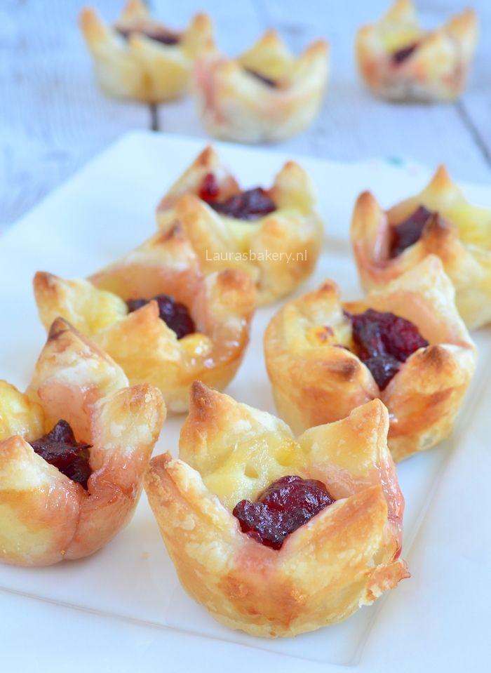 Cranberry brie bladerdeeg hapjes - Laura's Bakery