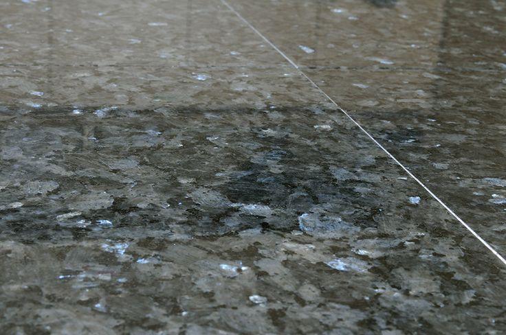 Piso granito azul  A Alonso Mármores produz peças em pedras naturais ou…