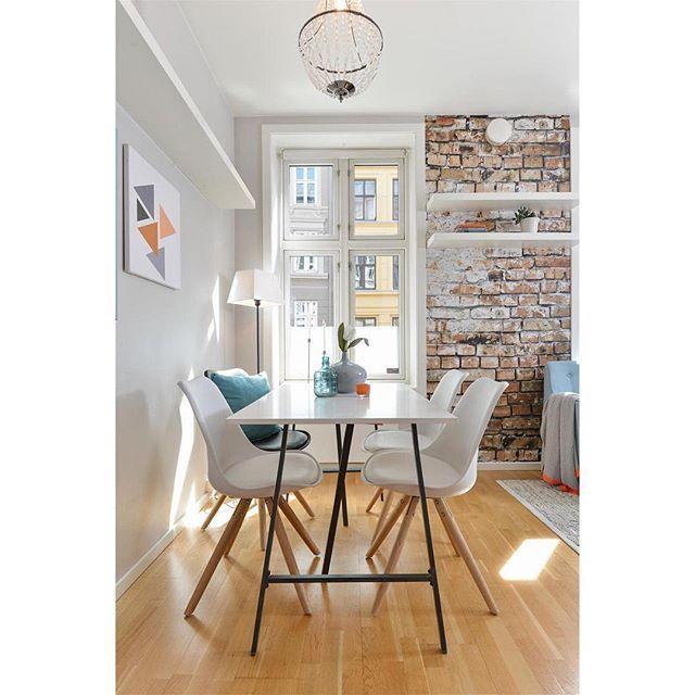 Sannergata 15c, nå ute for salg. Stylet av Pernille for @dnbeiendom #tilsalgs#eiendom#leilighet#styling#light#interior#interiorinspiration#interiorwarrior#interior123#boligstyling#interiørmagasinet#interiorinspo#interior_styling#living#interiordesign#interiørdesign#interiør#tipstilhjemmet#design#dagensinteriør#home#homestaging#housedecoration#scandicinterior#oslo#scandinavianhome#bo#boligstyling#vakrehjemoginteriør